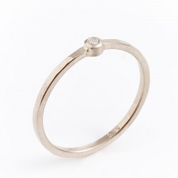 Ring, 585 white gold or 750 yellow gold, diamond 0.02 ct