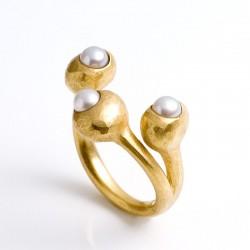 Ring, 3 Böbl, 750- Gold, Perlen