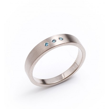 Ring, 750- whitegold, blue Diamonds