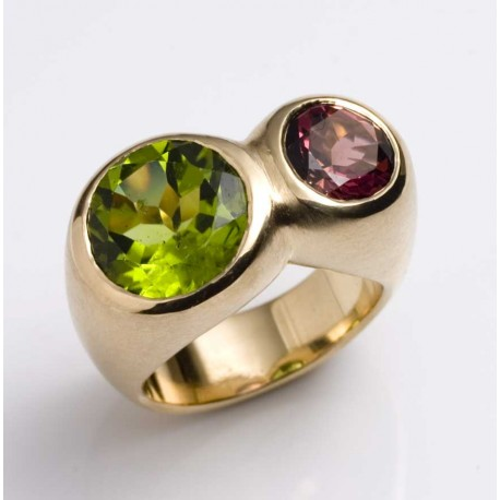 Ring, 750 gold, pink tourmaline, peridot