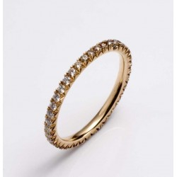 Diamond ring in rose gold with diamonds in the color gradient river to champagne