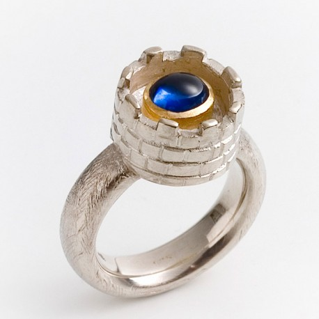 Tower ring with sapphire, 925- silver, 750- gold
