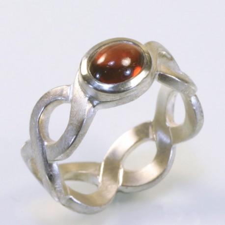 Pigtail ring, 925 silver, garnet