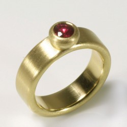 Ring, 750 gold, ruby