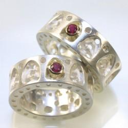 Eheringe, 925- Silber, 750- Gold, gotisch mit Rubinen