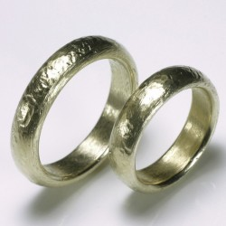 Wedding rings, 585 gold, rough surface