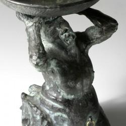 Kerzenmonster, Bronze, sitzend