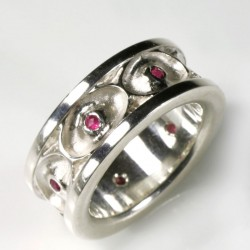 Eye ring, 925 silver, rubies