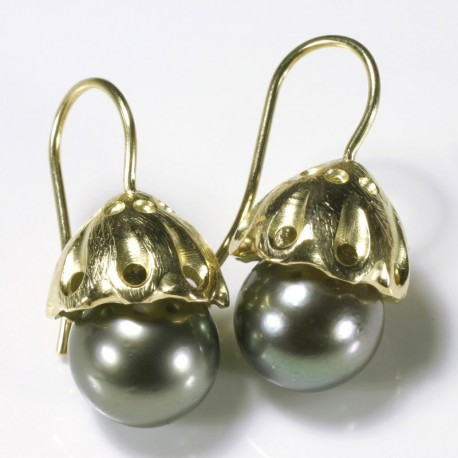 Earrings, 750 gold pagodas, Tahitian pearls