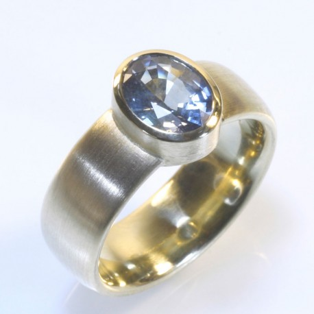Ring, 750 gold, sapphire