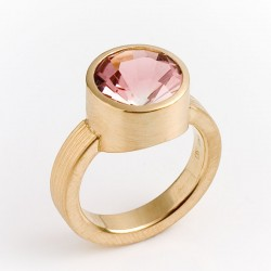 Ring, 750 gold, pink tourmaline
