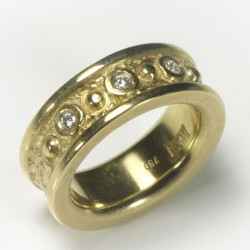 Mining ring, 750 gold, 3 diamonds