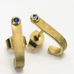 Stud earrings, 750 gold, sapphires
