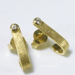 stud earrings, 750 gold, diamonds
