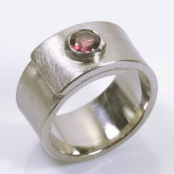Wrap ring, 500 palladium, pink tourmaline